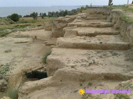 Античный городище Нимфей. Керчь.
